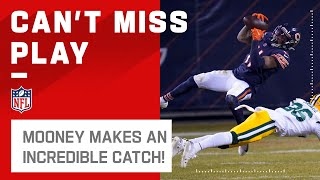 Darnell Mooney Grabs SPECTACULAR Catch!
