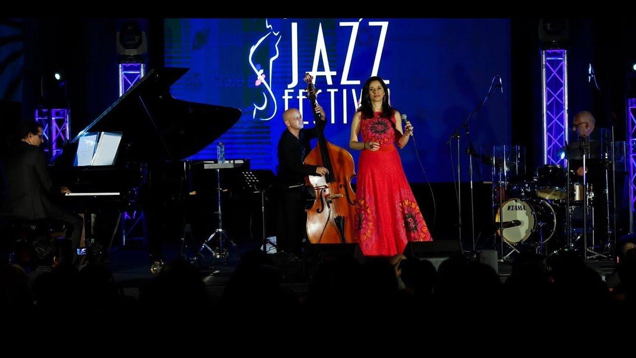 Swan Soul - Daphna & The ClassiCats