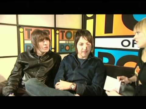 Liam Gallagher and Gem Archer (Oasis) interview for Top Of The Pops 2002