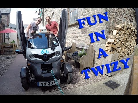 Running out of battery in a Renault Twizy... Electric car review