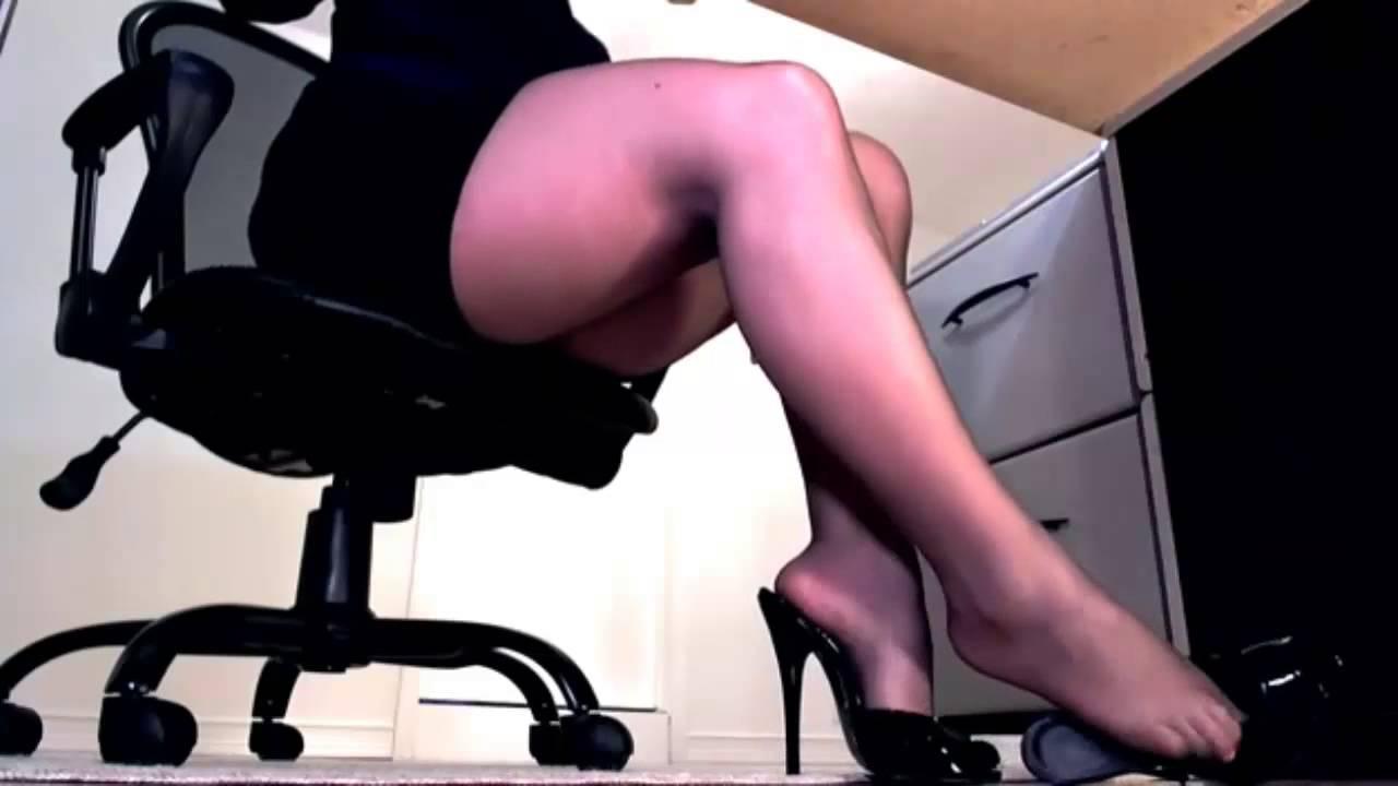 Видео телка расставила ножки скрытая камера, домашнее порно фото рашен