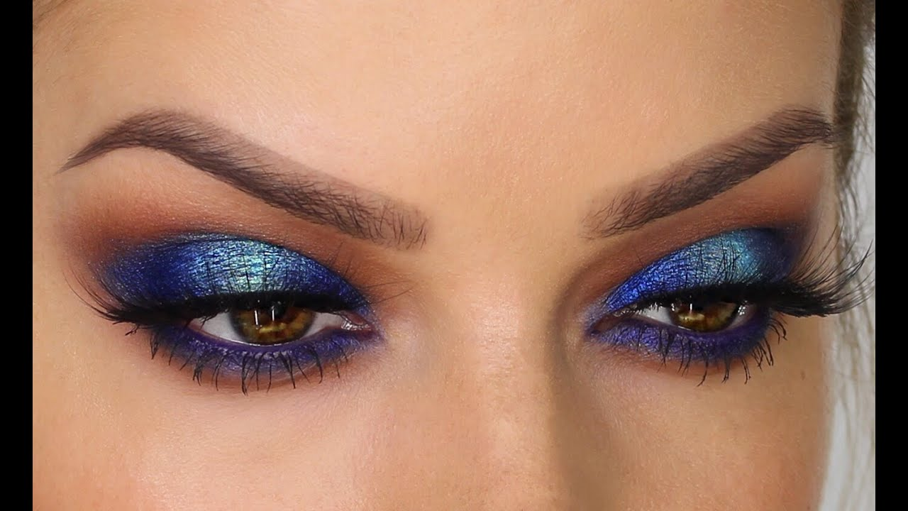 Two Toned Blue Eyeshadow Makeup