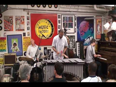 Jason Marsalis @ Louisiana Music Factory JazzFest 2009