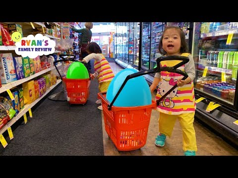 Kids Size Shopping at the Store with Emma and Kate