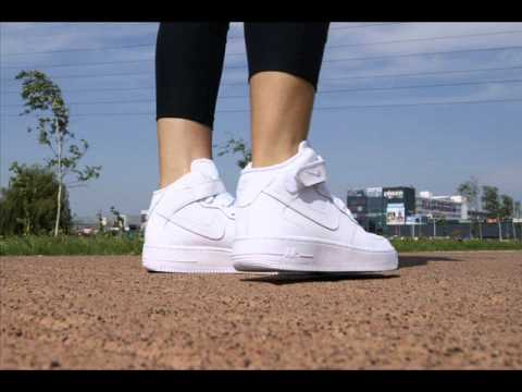 half off d76d3 61766 Nike Air Force 1 MID Girls 314195-113