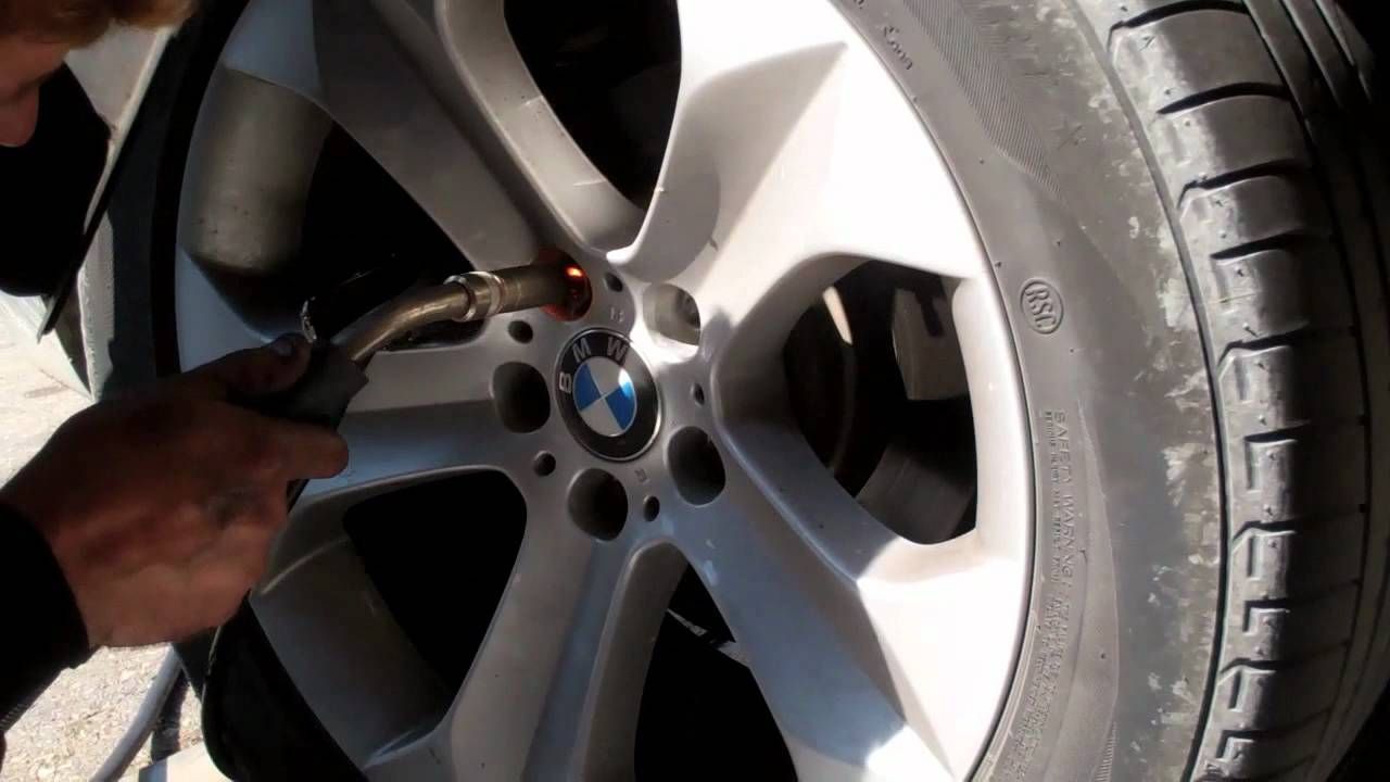 Sacar Tornillo Antirrobo Bmw Youtube