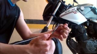 Como Cambiar el Cable del Velocímetro de una Moto