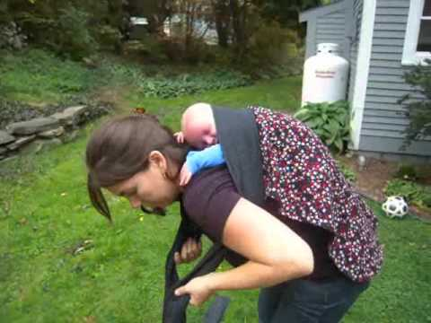 Strapless Back Carry with Newborn Podeagi.wmv