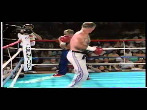 Bill Superfoot Wallace vs Joe Lewis