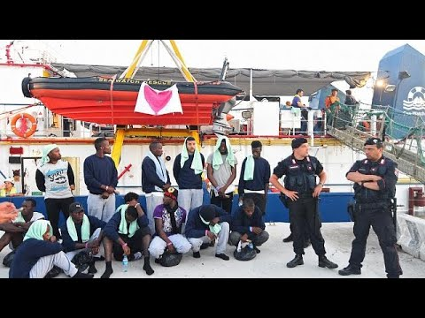 40 rescued migrants arrive in Italy, ship captain arrested