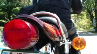 初期型の丸形制動灯が主役の動画ですw エンジンマフラー共にドノーマル...
