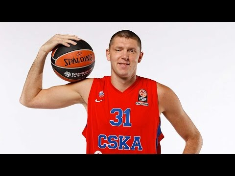 Final Four Magic Moment: Viktor Khryapa, CSKA Moscow