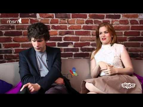 Интервью  Джесси и Айла отвечают на вопросы фанатов в Skype во время промоушена  Иллюзии обмана  в Л