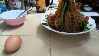 Simple Spaghetti Noodles With Soya Sauce, Onion And Garlic Oil