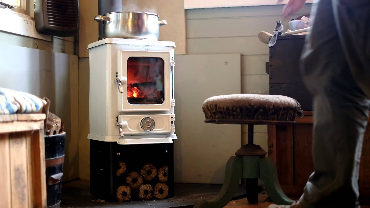 Cooking On A Wood Stove The Hobbit Stove White Enamel