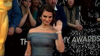 Penelope Cruz adore donner le sein