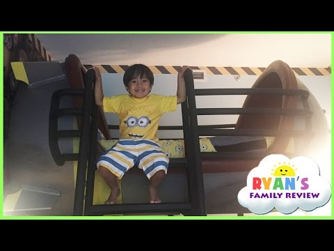 Minion Hotel Room tour at Universal Studio and gift shopping! Family Fun Trip with Ryans Family Rev