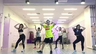 [KPOP] KARA - Mamma Mia   Dance Fitness By Golfy   Give Me Five Thailand