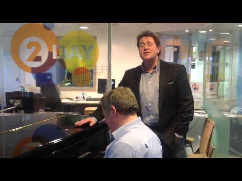 Michael Ball serenades Patrick Kielty in the Radio 2 green room