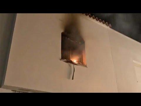 Una persona se atrinchera y amenaza con volar un edificio en San José del Valle