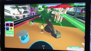 playing Robloxian life on Roblox!