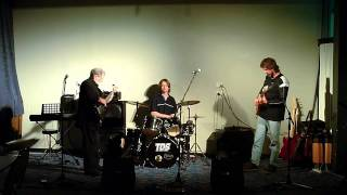 OPEN MIC ARVO: Jack Van Der Linden, Graham and Rick Rhodes - August 2011