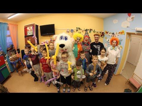 Клоунская команда волонтеров «Светлячки» в детской больнице г. Мурманска