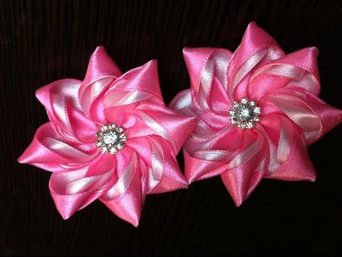 Украшение на резинку Канзаши / Розово-белый цветок