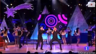 Andy & Lucas - Faldas. Gala Reyes y Estrellas 2015.