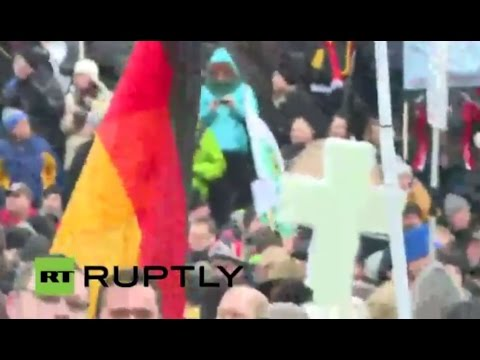 LIVE: Camera in midst of PEGIDA demo in Dresden