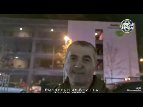 Los equipos de emergencias explican la intervención en la residencia DomuVi de Santa Justa