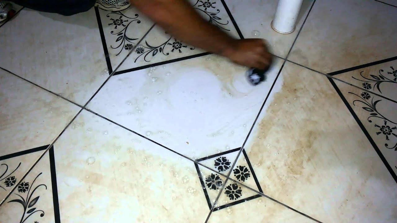 Como desencardir pisos de cer mica com manchas como for Compro ceramica para piso