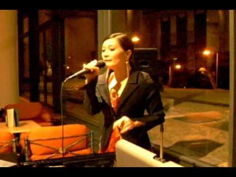Maureen Mcgovern - A Very Special Love - Teresa