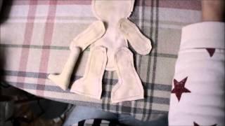 DIY: Как сшить куклу/ Кукла своими руками/ Handmade doll/ Выкройка куклы(Подробный видео-урок расскажет вам в какой последовательности сшить текстильную куклу, что для этого потре..., 2015-10-11T16:49:13.000Z)