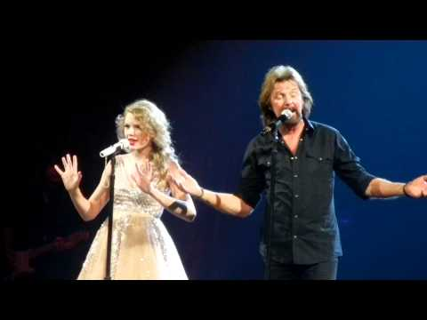 "Taylor Swift and Ronnie Dunn sing ""Bleed Red"""