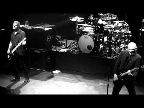 The Stranglers No more heroes Paris Olympia Ruby Tour 1974 2014 07042014