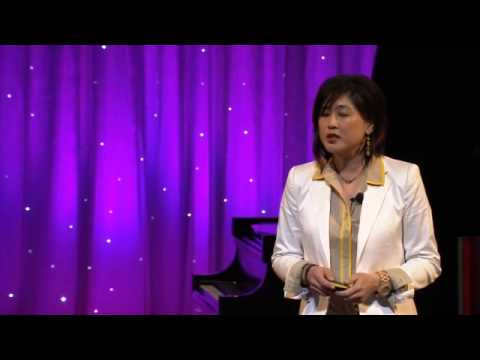 Delivering happiness: Jenn Lim at TEDxMidwest