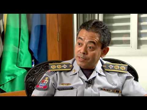 Exclusivo: Um policial militar comete suicídio a cada 15 dias em São Paulo - SBT Brasil (30/03/17)