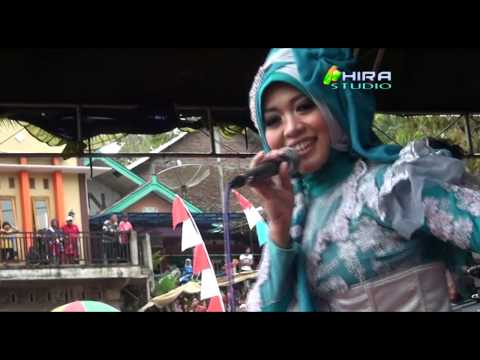 Sakitnya tu Disini - Neny Qasima - Live Gertas
