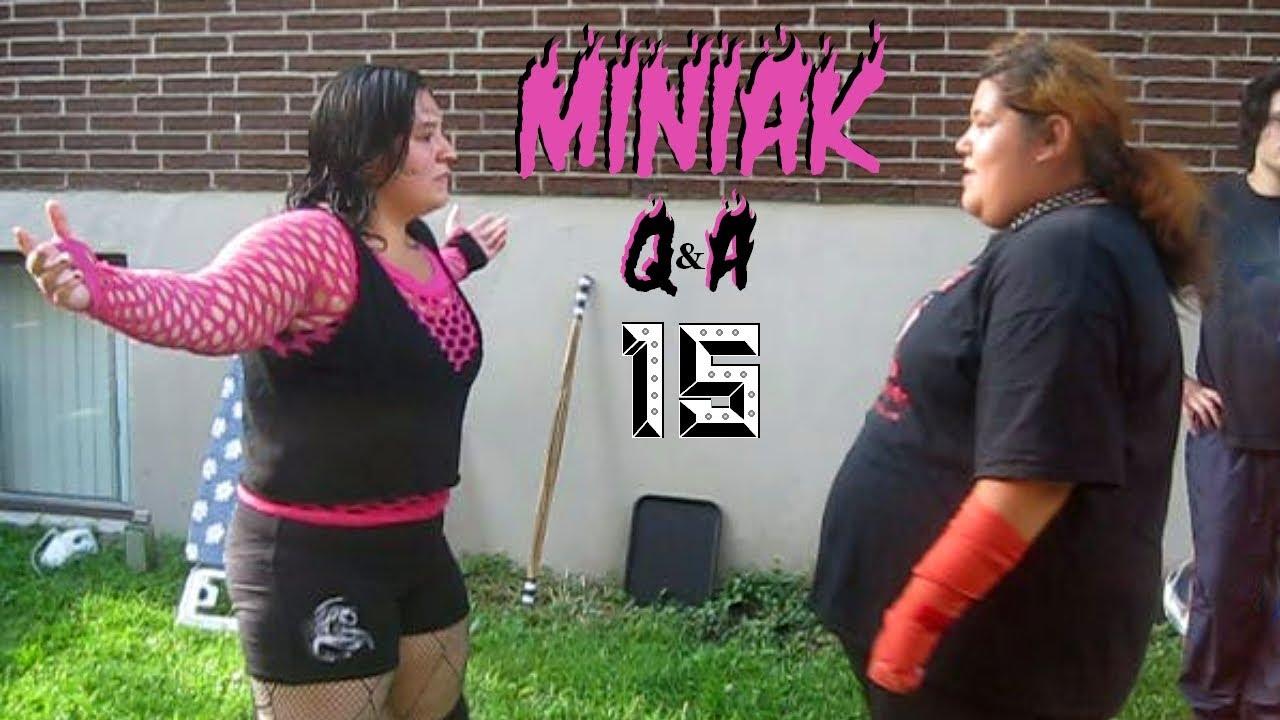 miniak q u0026a15 chw stars i u0027d like to face hockey fights eliza