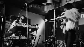 Intro (Le Miroir aux Alouettes) - Debut Live au Salon du Bleu Café, Neuchâtel (26.10.18)