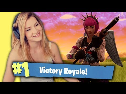 GIRL SQUAD DESTRUCTION! ft. AnnieFuchsia, Ignorance & Yuuie (Fortnite: Battle Royale) | KittyPlays