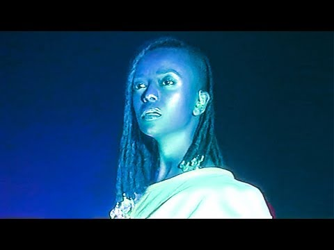 Kelela – LMK + Send Me Out + Blue Light + Go All Night + Better –  in Warsaw 200218 VHS