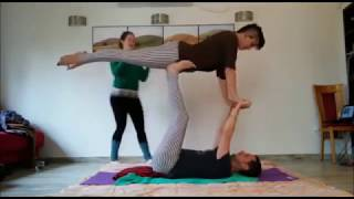 private couple acroyoga class:)