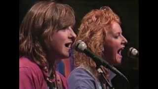 Watch Indigo Girls Strange Fire video