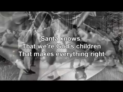 Gene Autry - Here Comes Santa Claus *Lyrics on Screen*