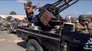 Muammer Kaddafi Cezayir sınırında