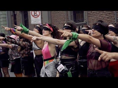 """Performance colectivo Las Tesis """"Un violador en tu camino"""""""