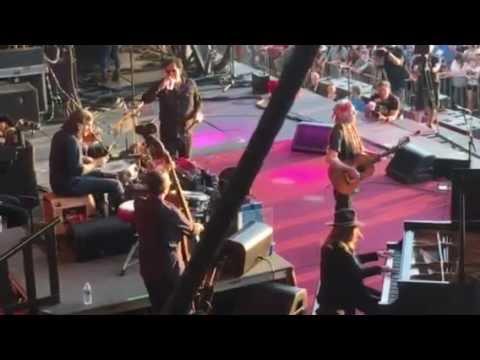 Willie Nelson Nuages - Django Reinhardt - Austin City Limits Festival 10/9/16 - Stage Shot