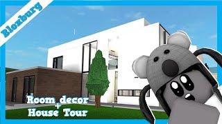 ROBLOX Gaming: Bloxburg | Making my office! + House Tour